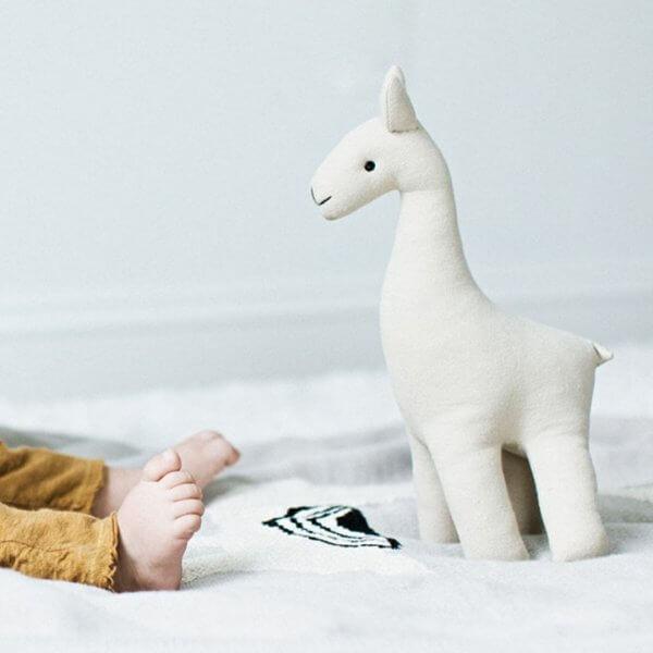 linen llama with baby