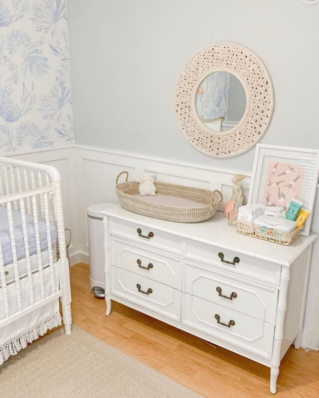 #NurseryInspo! Featuring Linen Perch's very own Charleston Baby Changing Basket!  🤍🤍🤍  The Charleston Baby Changing Basket is a beloved nursery essential at Linen Perch. Handmade using natural seagrass that is safety tested by an independent lab in compliance with federal safety regulations, we admire its elegance AND trustworthy quality. The Charleston Baby Changing Basket even comes with a machine washable, quilted liner which offers your baby's delicate skin all the softness it deserves!   Check out this favorite at the Linen Perch website (link in bio)!  #linenperch #babybasket #changingbasket #nurseryessentials #nurserydecor #bohonursery #modnursery #modernnursery #greynursery #neutralnursery #neutralnurserydecor #mommyblog #mommyblogger #momsofinstagram #kids #momlife #mom #decor #aesthetic #diapergirl #diaperbag #diapers #diaper #dadsofinstagram