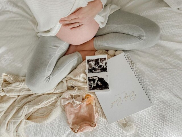 Preparing for baby's big arrival? We have a special message for you 🤍  At Linen Perch, we believe in providing mama's/papa's to be with quality nursery essentials that they can rely on. We care about the safety and comfort of you and your little one, which is why we ensure to use natural materials that you can trust.  Check out quality made bestsellers, like our 100% cotton Cable Knit Pom-Pom Throw Blanket pictured above, at the Linen Perch website (link in bio).