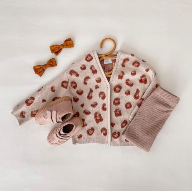 Let's hear it for fall colors and these Rattan Baby Hangers! 🤍  At Linen Perch, we are LOVING the latest vintage-chic trends— especially for baby's nursery! We designed these Rattan Baby Hangers for you to incorporate some vintage flare into your kiddo's wardrobe. They're handmade with care by a skilled artisan and they're the perfect size for baby and toddler-sized clothing!  Tag us in your baby outfit pictures with your Linen Perch Rattan Hangers and check them out at the Linen Perch website (link in bio) or on our IG store!  #neutralnursery #neutralnurserydecor #modernnursery #bloggerstyle #momsofinstagram #mommyblogger #lifestyleblogger #lifestyle #babyroom #babyfashion #nursery #nurserydecor #bohonursery #pampasgrass #decorinspo #daddyblogger #dadsofinstagram #babyboho #babyshower #babyroominterior #kidroomdecor #linenperch #trendingnow #vintage #vintagenursery #rattan #rattanfurniture #rattannursery #rattanvintage